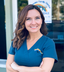 nicole-osika-dental-hygienist-clearwater-family-dental-clearwater-florida